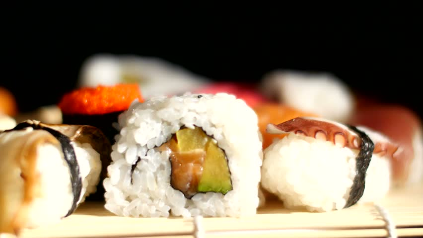 sushi knife to use for sushi rolls
